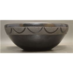 SAN ILDEFONSO INDIAN POTTERY BOWL ( CARLOS SUNRISE DUNLAP)