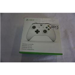 XBOX ONE WIRELESS CONTROLLER WHITE IN BOX -STORE RETURN, UNTESTED