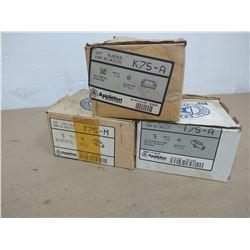 LOT APPLETON K75-A/T75-A CONDUIT HARDWARE