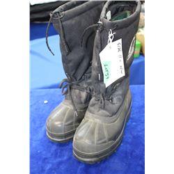 Mens New Sorel Boots, Size 11