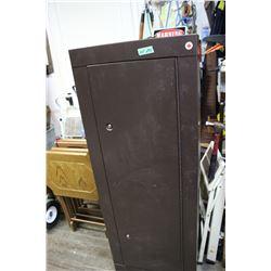 Gun Cabinet - holds 8