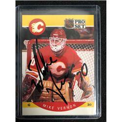 MIKE VERNON SIGNED NHL PRO SET HOCKEY CARD