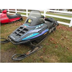 1995 Polaris Storm 800 SKS w/XLT hood SN#-2435670   old gas, needs carb cleaning