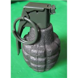 PINEAPPLE TYPE GRENADE (FOR DISPLAY ONLY) *VERY NICE MILITARY COLLECTABLE*