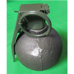 BASEBALL TYPE GRENADE (FOR DISPLAY ONLY) *VERY NICE MILITARY COLLECTABLE*