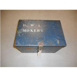 HEAVY STEEL LOCKING BOX. NO LOCK OR KEY