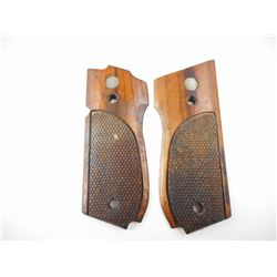 SMITH & WESSON MODEL 39 WOOD GRIPS