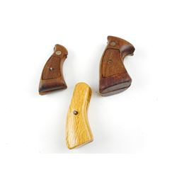 SMITH & WESSON WOODEN GRIPS