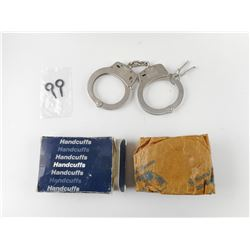 SMITH & WESSON HANDCUFFS WITH KEYS IN BOX