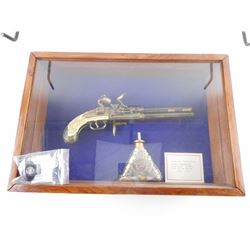 SHADOW BOX AND REPLICA ENGLISH DOUBLE BARREL FLINT PISTOL WITH CASE