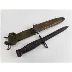 US M16, M7 TYPE II BAYONET AND SCABBARD