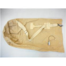 CANADIAN MILITARY TYPE DUFFLE BAG AND CLASP WITH LOCK