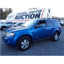 D5 --  2011 FORD ESCAPE XLT  , Blue , 233466  KM's