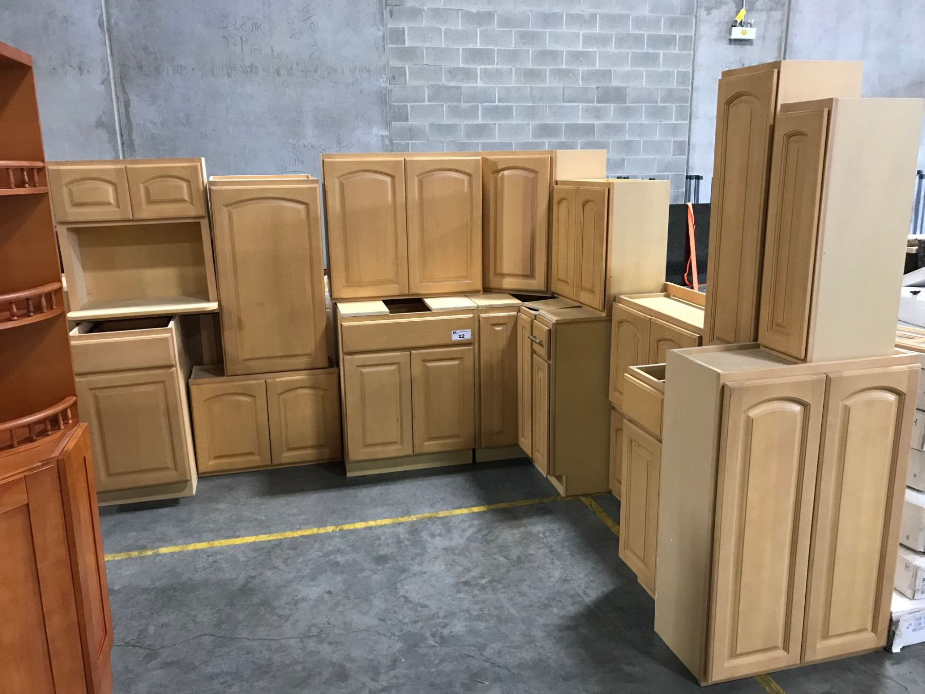 19 Piece Maple Kitchen Cabinet Set Inc 7 Bottom Cabinets 10 Top Cabinets 2 Microwave Able Auctions