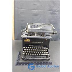 Vintage Typewriter (Working)