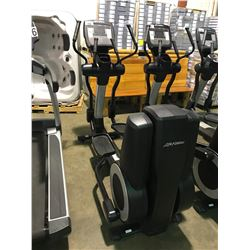 LIFE FITNESS 95 XS COMMERCIAL ELLIPTICAL CROSS TRAINER