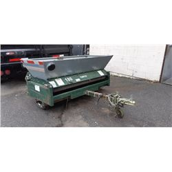 2002 UBILT TRAILER MOUNT TURFCO METE-R-MATIC III TOP DRESSER ( MODEL F12D )