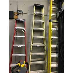 LIGHT YELLOW 10' FOLDING LADDER