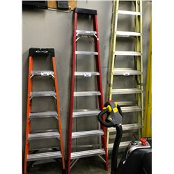 RED 8' FOLDING LADDER