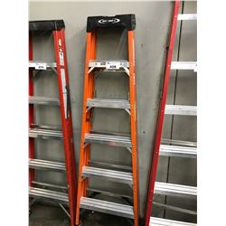 ORANGE 6' FOLDING LADDER