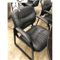 BLACK SLED BASE CLIENT CHAIR