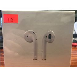APPLE WIRELESS AIRPODS WITH CHARGING CASE