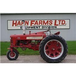 IH Farmall 300 2wd tractor, fast hitch, single front wheel, all original