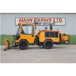 2006 Trackless MT5T V 4wd sidewalk machine, cab, air, rear sander, front 4 way angle blade, 782 hrs,