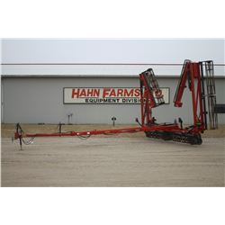 2013 CIH 110 50' hyd. folding crumbler, used on Hahn family farms