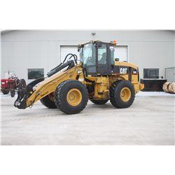 Caterpillar 930G 4wd wheel loader, cab, air, quick coupler, 3 function valve, high lift, Municipal u