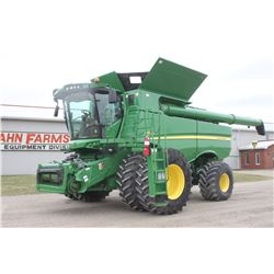 2013 JD S680 4wd combine, pro drive transmission, 1948/1364 hrs, 650 85R38 duals, 750 65x26, hyd. fo