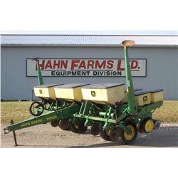 JD 7000 6 row planter, dry fert