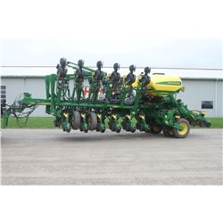2016 JD 1795 16/32 CCS Max Emerge 5 planter, pneumatic down force, 25 wave no-till coulter, smooth s
