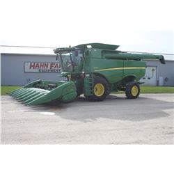 2013 JD S660 4wd combine, 800 65 R32, Side Hill Performance Pkg,  Auto Steer ready, 1200 hrs, HFI in