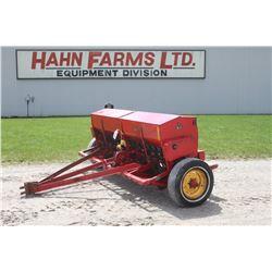 MF 33 17 run seed drill, grass box