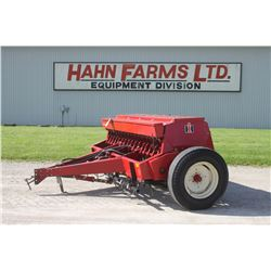 IH 5100 16 run seed drill, grass box, track eliminator