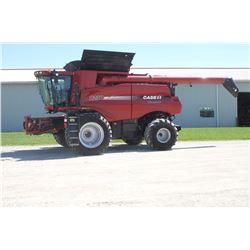 2012 CIH 8230 4wd combine, 620 85R42 duals, power folding bin covers, leather trim, wide spread chop