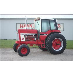 IH 186 Hydro 2wd tractor, cab, air, 18.4x38, 2 remotes, 3742 hrs