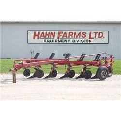CIH 720 5 furrow semi mount plow, auto reset