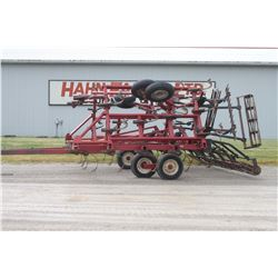 CIH 4600 24' cultivator, combo buster bar with rolling harrow, walking tandems on wings