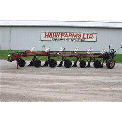 IH 735 6 furrow vari width plow