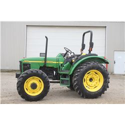 JD 5420 4wd tractor, power reverser, ISO platform, 2 remotes, 16.9x30, 2943 hrs