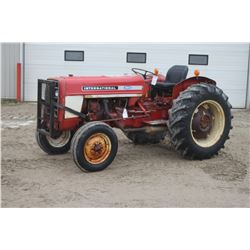 IH 354 2wd tractor, gas, 13.6x28, 3686 hrs
