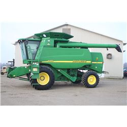 JD 9450 4wd combine, 30.5x32, Crary Big Top Ext. chaff spreader, local trade, 3795 hrs