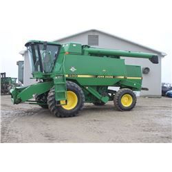 JD 9500 4wd combine, 17' auger, chopper, chaff spreader