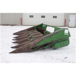 "JD 643 6 row corn head, 30"" spacing, oil bath drive"