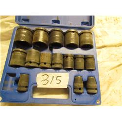 "16 PIECE 1/2"" DRIVE SOCKET SET (9/16 MISSING)"