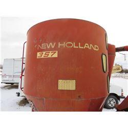 MIX MILL (357 NEW HOLLAND) *C/W AUTO BALE FEEDER*