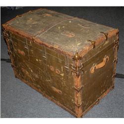 Steamer trunk and dresser top  #110785