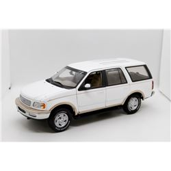 Ford Expedition 1:18